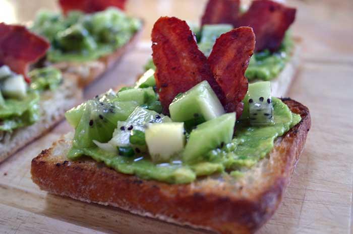 Avocado Toasties with Kiwifruit Salsa and Bacon - Diabetic ...