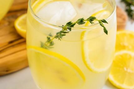 Sugar-Free Lemonade with Thyme