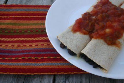 Quick Black Bean Burritos for #SundaySupper