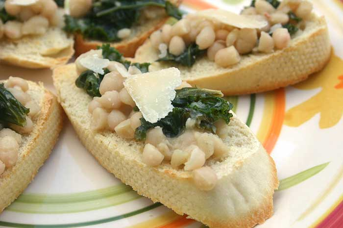 White Bean and Kale Bruschetta