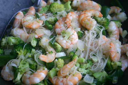 Thai Shrimp with Noodles (coconut oil)
