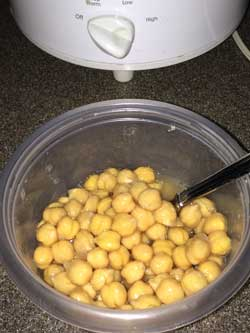 Home-cooked chickpeas in slow cooker