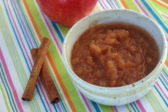Cinnamon Applesauce in Slow Cooker