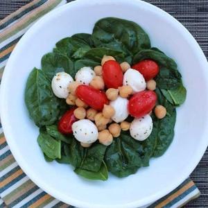 Mozzarella, Tomato and Chickpea Salad