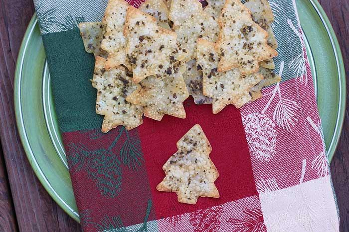 Pesto Holiday Crackers