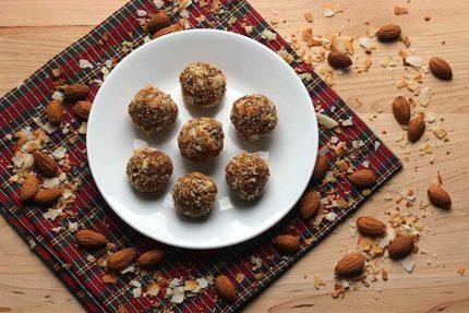 Date Almond Energy Bites (Gluten-free)