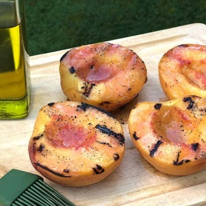 2-Ingredient Grilled Peaches