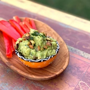 Pear Guacamole with Pistachios (low-sodium)