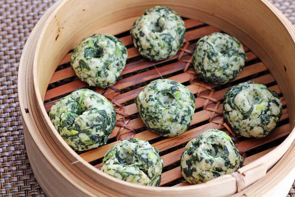Dumplings in the steamer basket