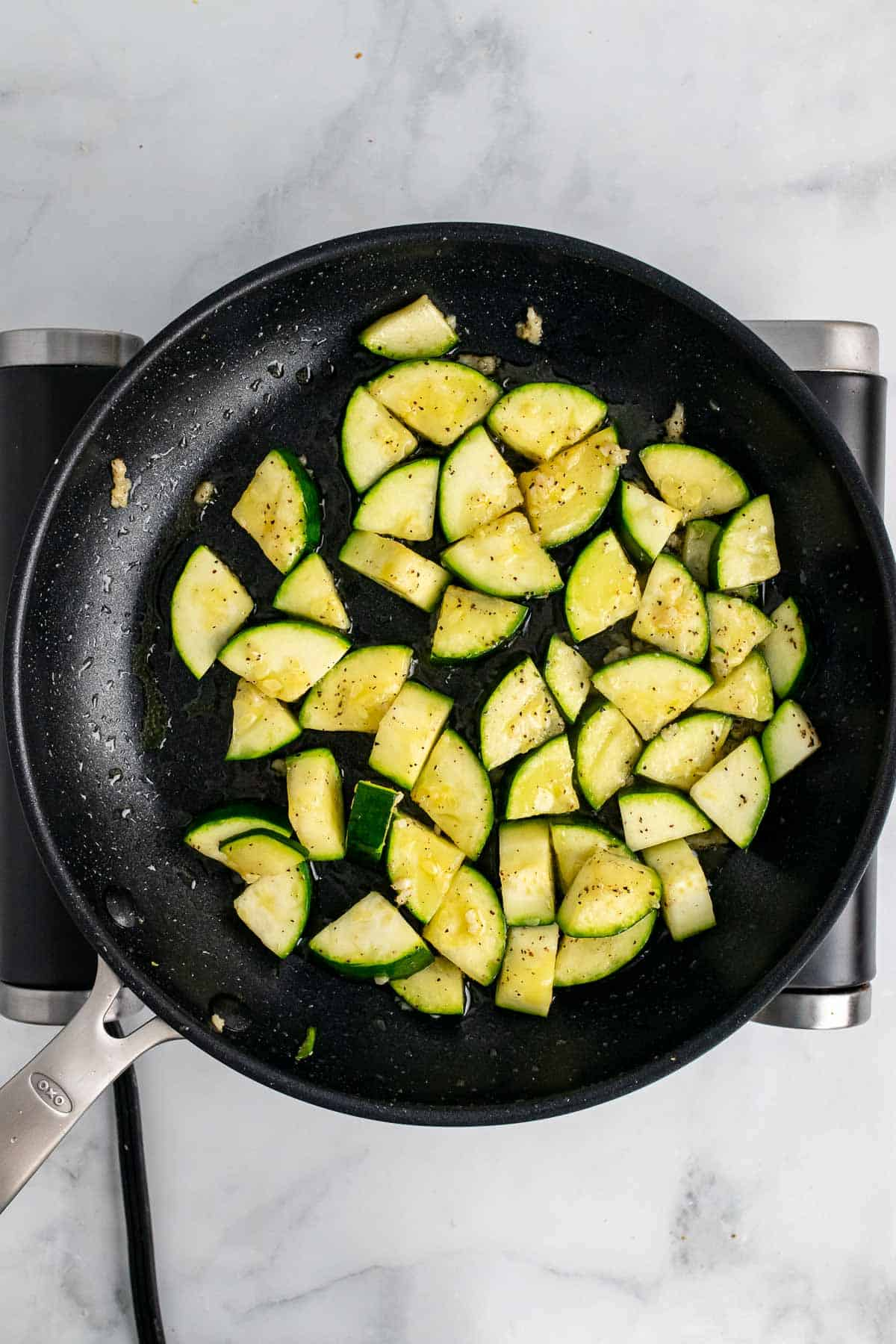 Cooked zucchini in pan